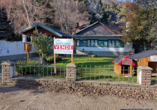 VENTA DE CASA UBICADA EN CALLE OBEID 921, San Martín de los Andes.
