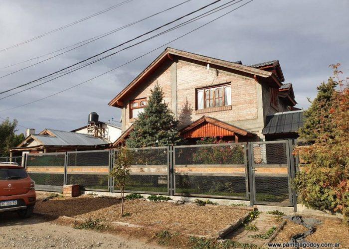 ALQUILER PERMANENTE CASA UBICADA EN BARRIO LONQUIMAY, CALLE LOS ZORZALES, Junín de los Andes.